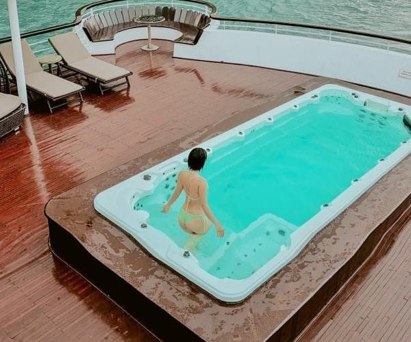 Du thuyền Ambassador Hạ Long