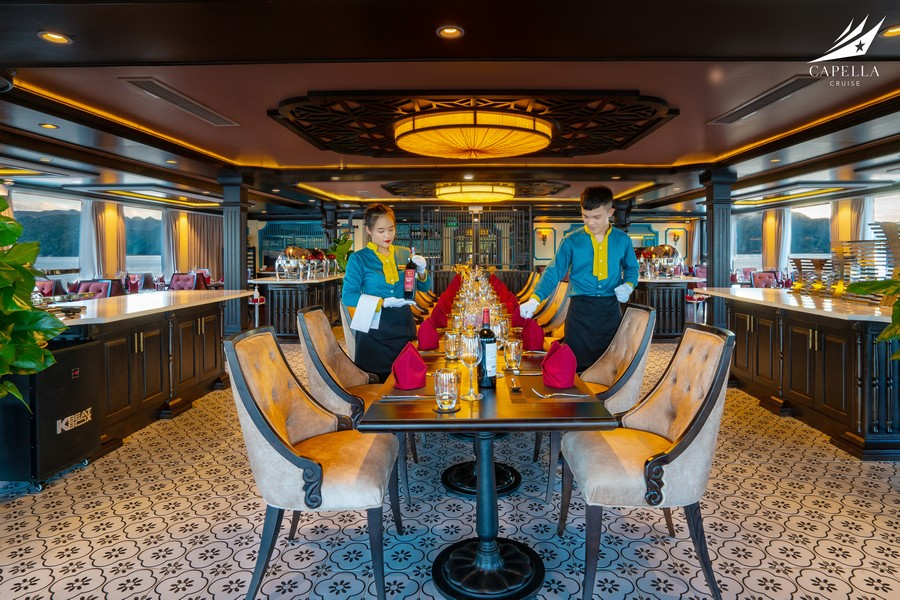 Nhà hàng trên Du thuyền Capella