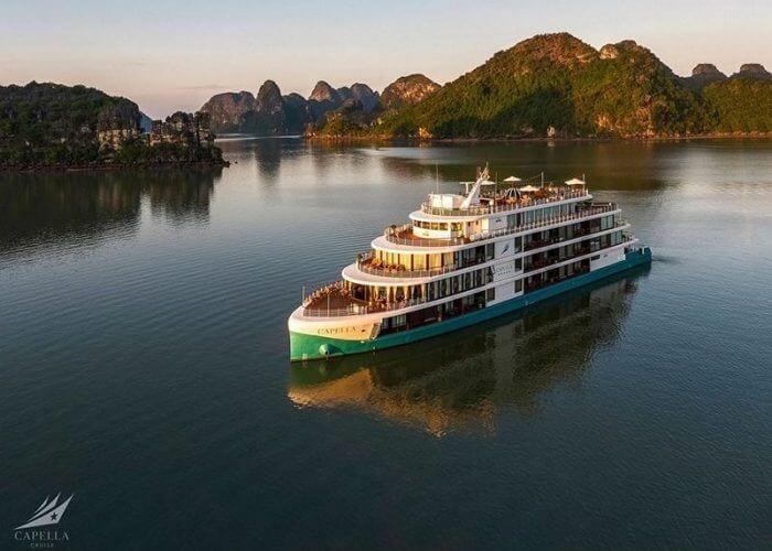 Du thuyền Capella, Vịnh Lan Hạ