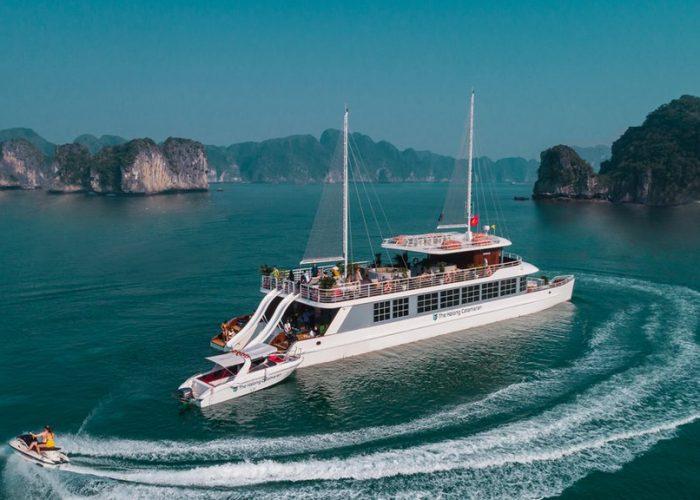 Du thuyền Catamaran Hạ Long sang trọng và đẳng cấp
