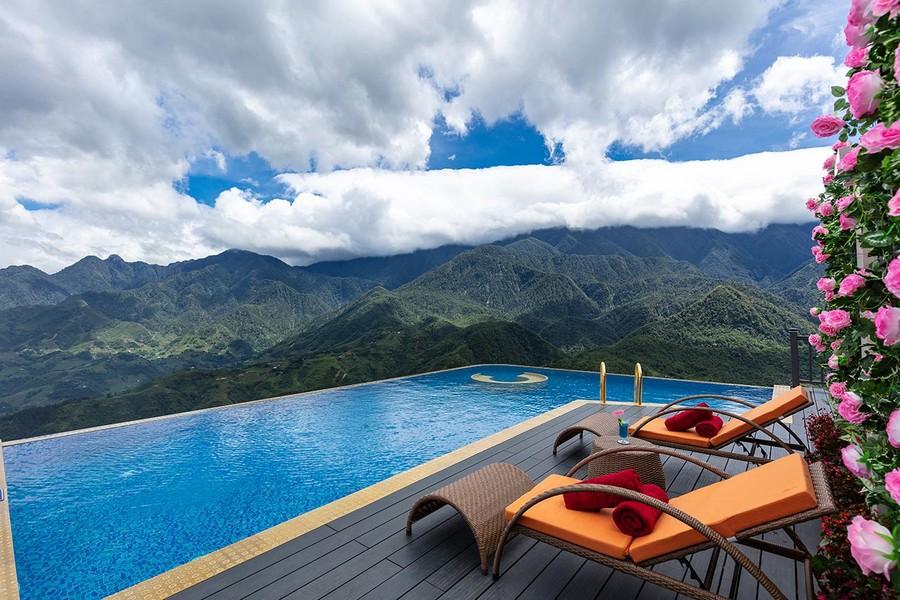 Bể bơi vô cực tại khách sạn Pistachio Sapa