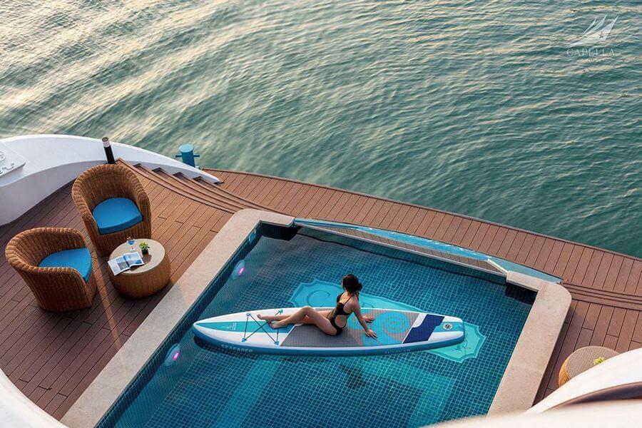 Bể bơi trên Du thuyền Capella