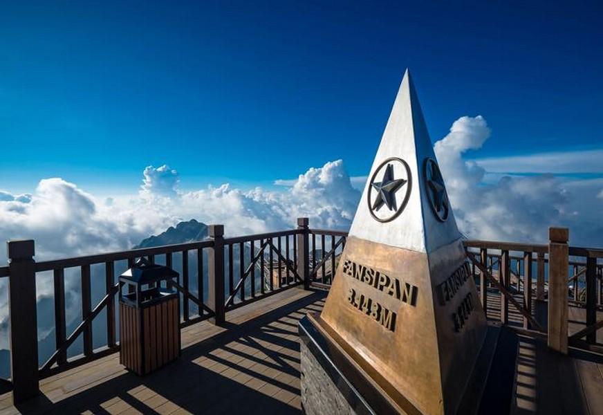 Ngắm mây trên đỉnh Fansipan