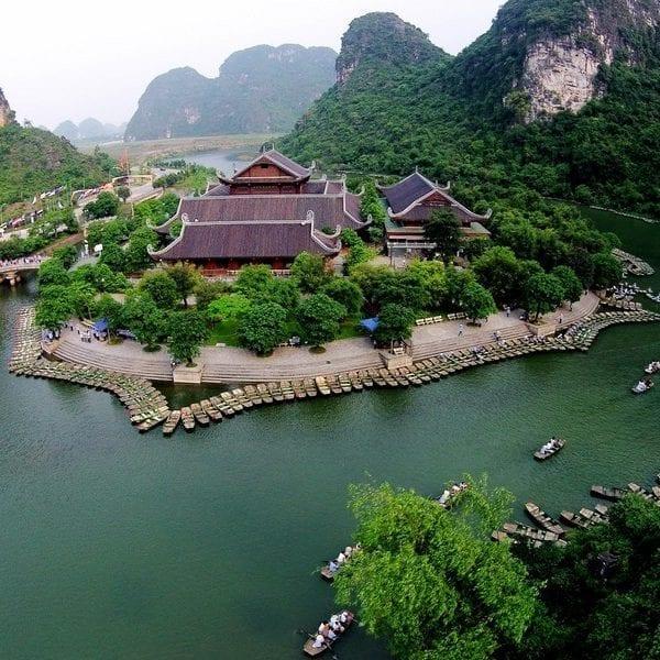 Bến thuyền Tràng An, nơi bắt đầu hành trình khám phá cảnh đẹp