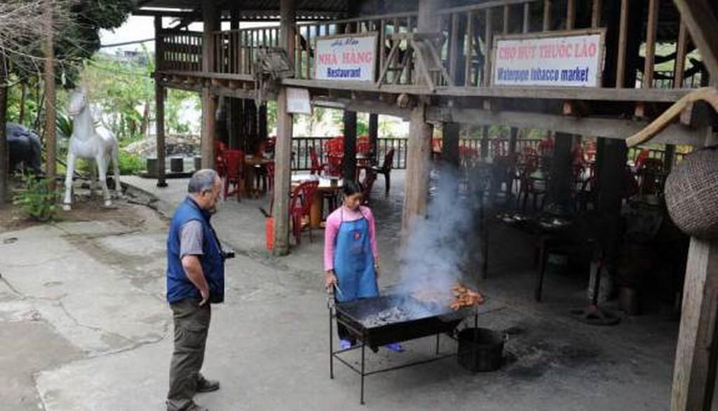 Nhà hàng Hà Mèo bản Tả Van