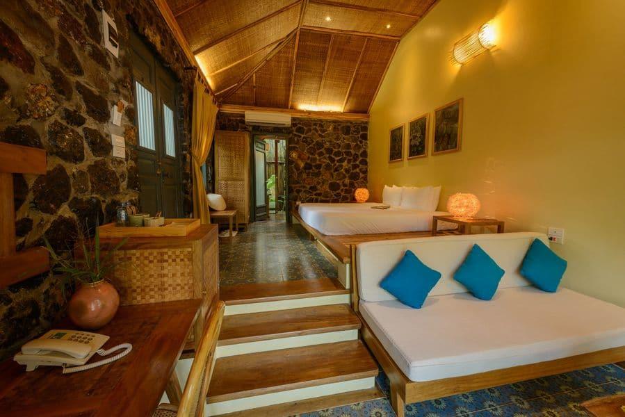 """Phòng nghỉ tiện nghi, tối giản và """"authentic"""""""