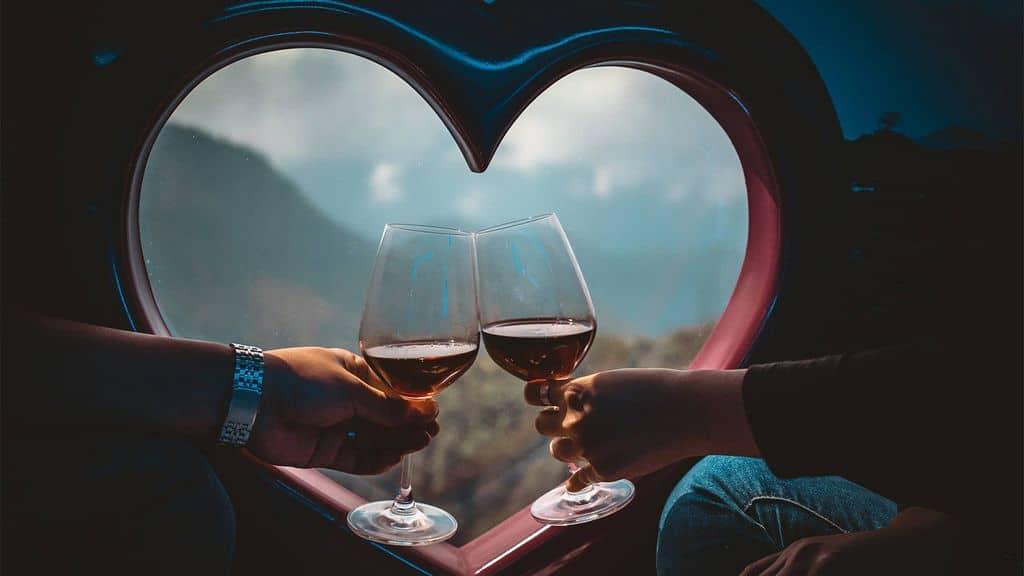Không gian xe lãng mạn cho cặp đôi trên hành trình khám phá Sapa