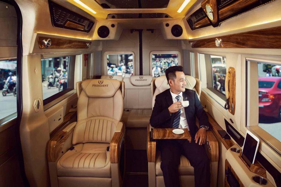 Xe limousine đi Sapa