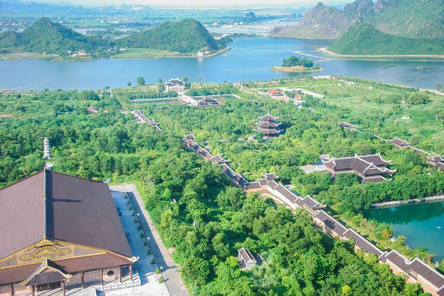Khuôn viên chùa Bái Đính
