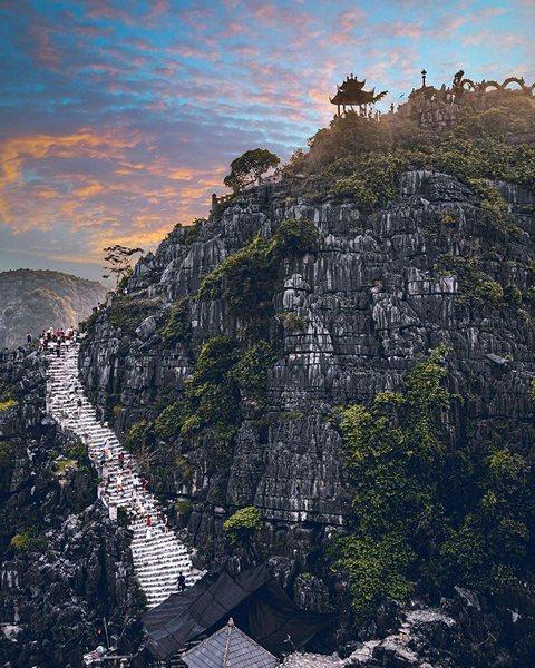 Đường lên đỉnh Ngọa Long