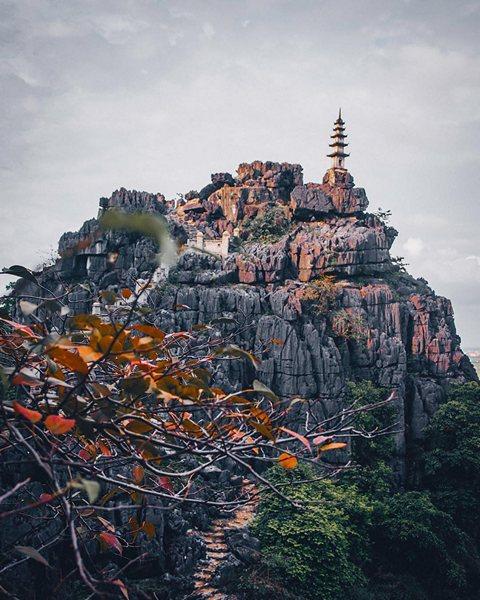 Tháp trên đỉnh núi