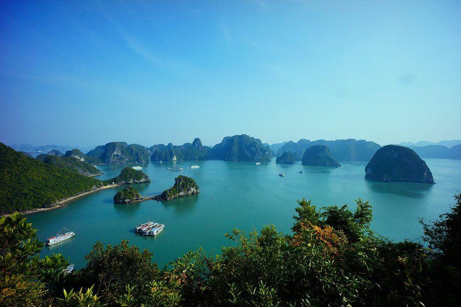 Ba Trái Đào - Vịnh Lan Hạ