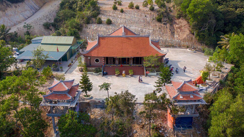 Không gian chùa Trúc Lâm Cô Tô