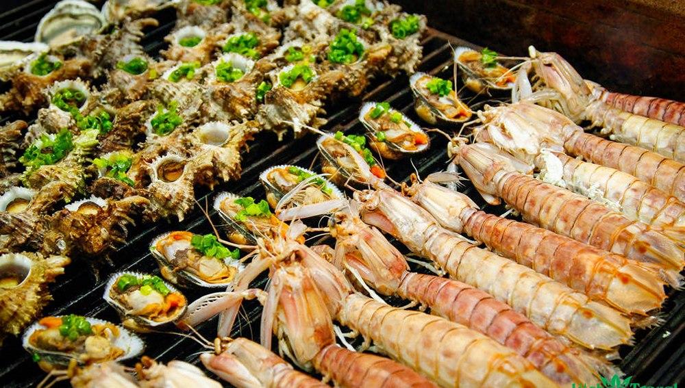 Thưởng thức hải sản Cát Bà