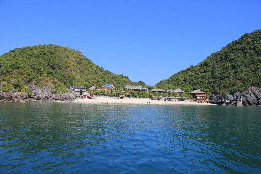 Bãi tắm trên Đảo Khỉ
