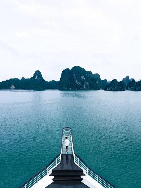 Mũi cầu kính sống ảo Du thuyền Ambassador