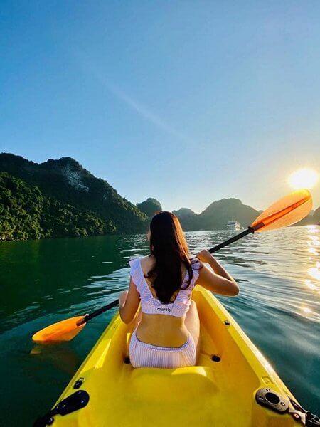 Góc sống ảo khi chèo thuyền kayak