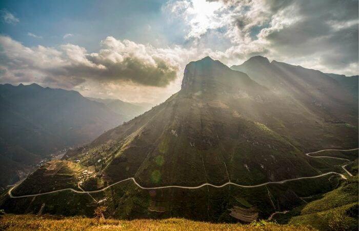 Đèo Mã Pí Lèng và con đường Hạnh Phúc