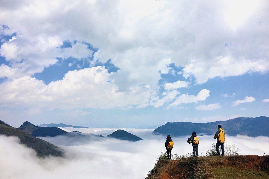 Mùa săn mây Y Tý